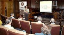 """La doctora Celeste Santos Silva, de la Universidad de Évora (Portugal) durante la charla que ofreció en Mercasetas """"Importancia ecológica y aprovechamiento sostenible de los hongos silvestres"""""""